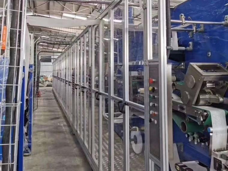 卫生设备-铝型材安全门澳宏铝业专业制造
