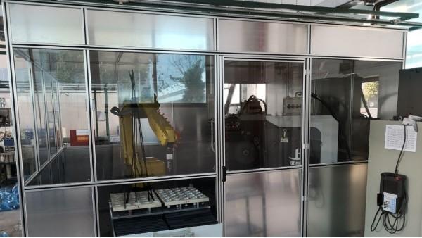 工业铝型材在设备隔音罩中的应用