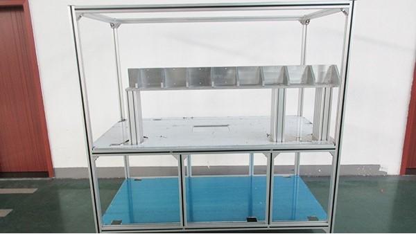 铝型材工作台与传统工作台做比较哪个更有优势
