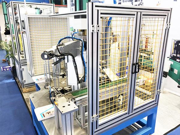 铝型材机器人围栏